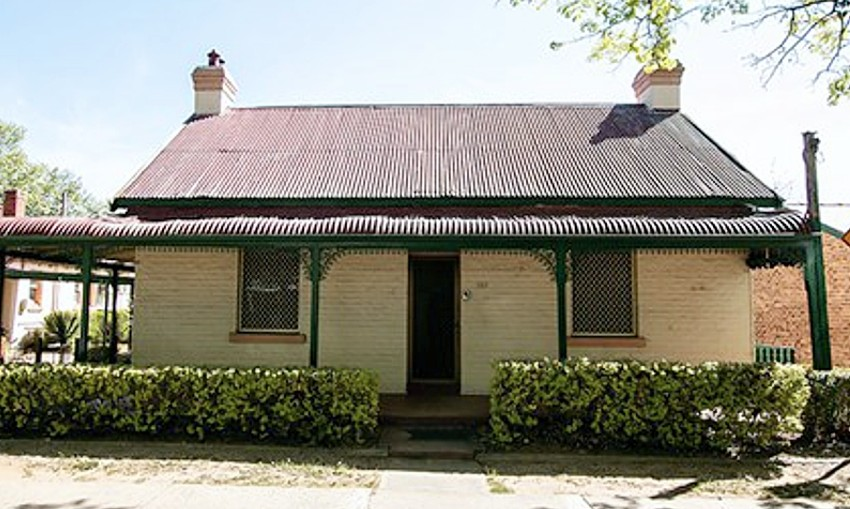 Duttons Cottage Queanbeyan NSW