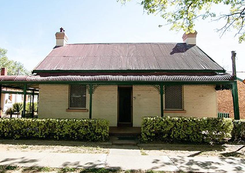 Duttons Cottage Queanbeyan NSW
