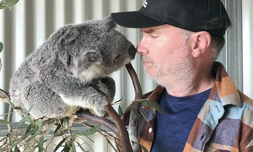 James-Fitzgerald-meets-koala-cr-Jacob-Howard