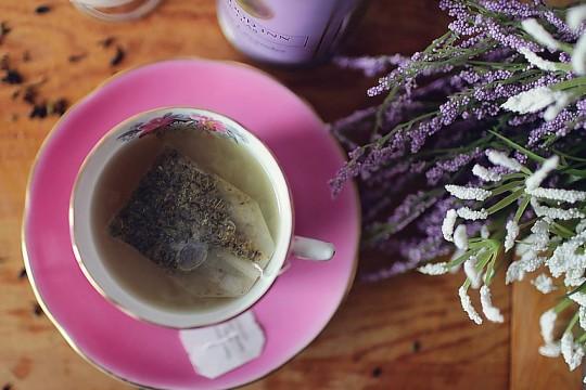cup-tea-LeahKelley-Pexels
