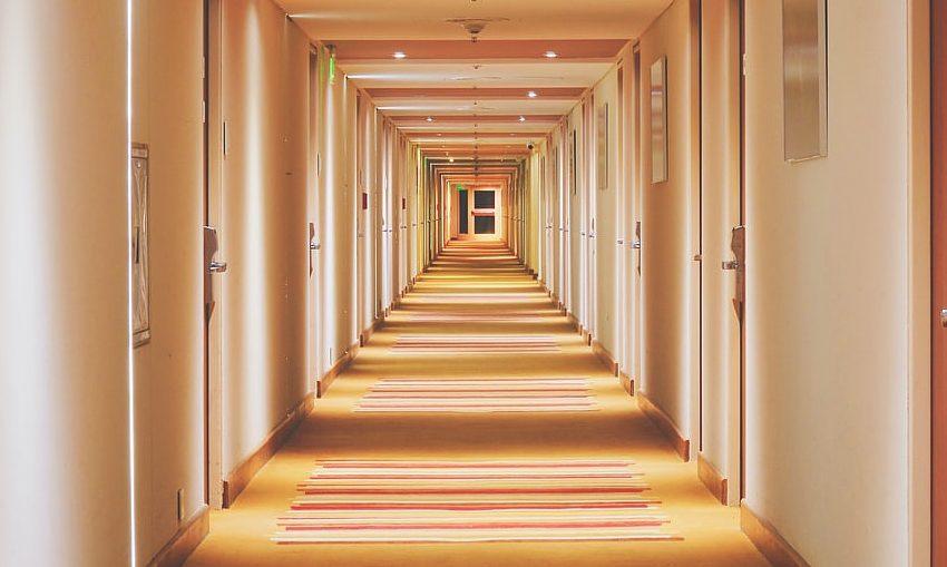 memory-loss-doorways-YuyuHata-unsplash