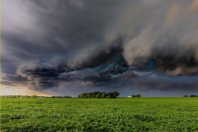storm-clouds-farmland_Dave-Hoefler_unsplash