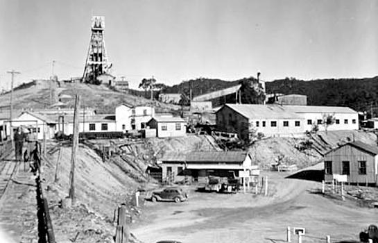 CaptainsFlat-mine-1952